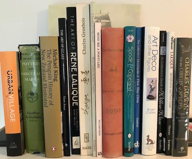 Books / magazines ..